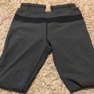 Lululemon Size 10 Black and White Pants